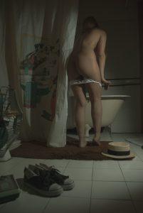 Fetish legs bath model 05
